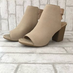 Kenneth Cole nubuck heel
